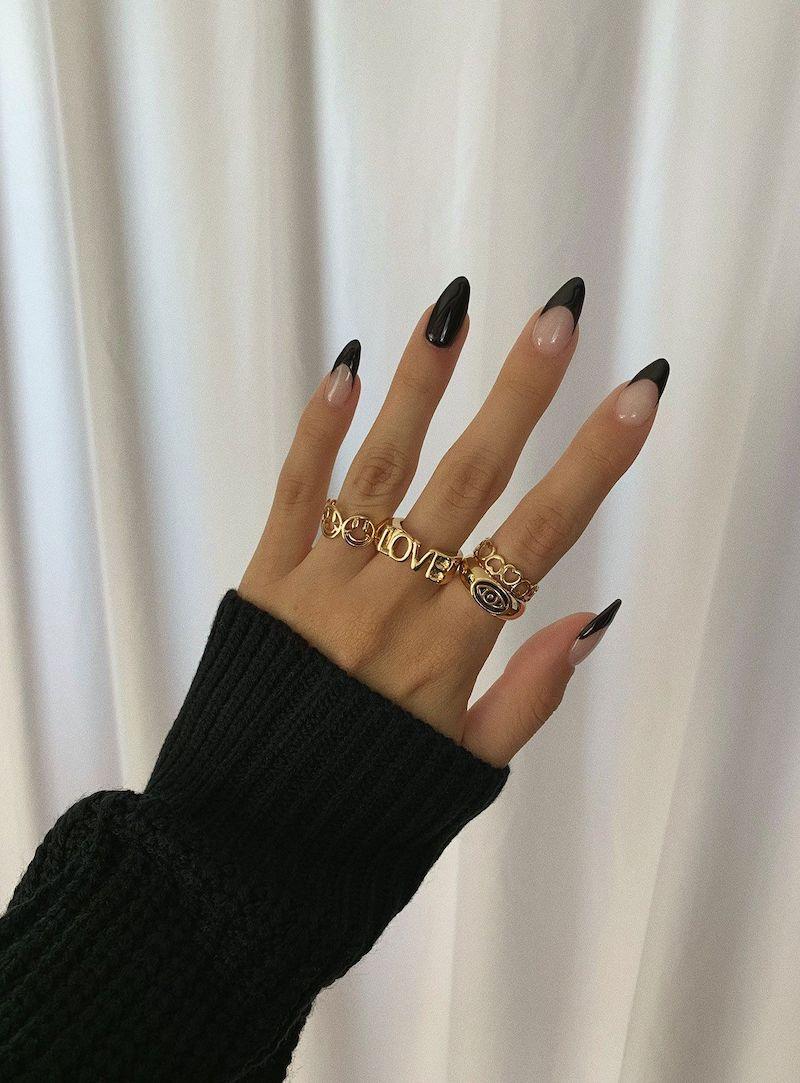 stiletto french manicure smalto nero opaco