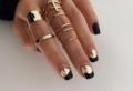 Nail art per unghie nere opache – il trend più chic di sempre!