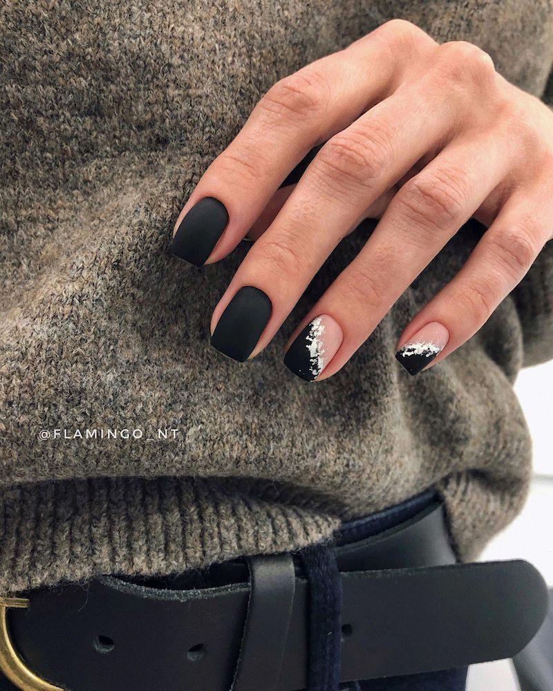 unghie smalto nero effetto marmo accent nails