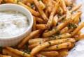 Come fare le Patatine fritte fatte in casa davvero croccanti, ecco 3 ricette!