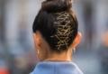 Acconciature semplici per capelli di media lunghezza: il makeover più veloce e pratico per ogni donna!