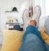come pulire le scarpe bianche in tela