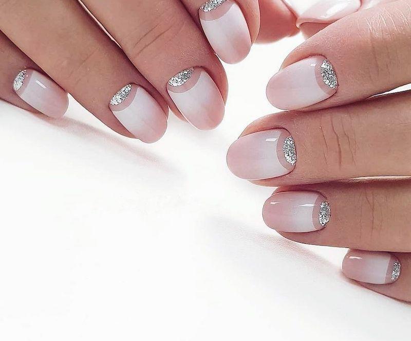 french manicure inversa nude