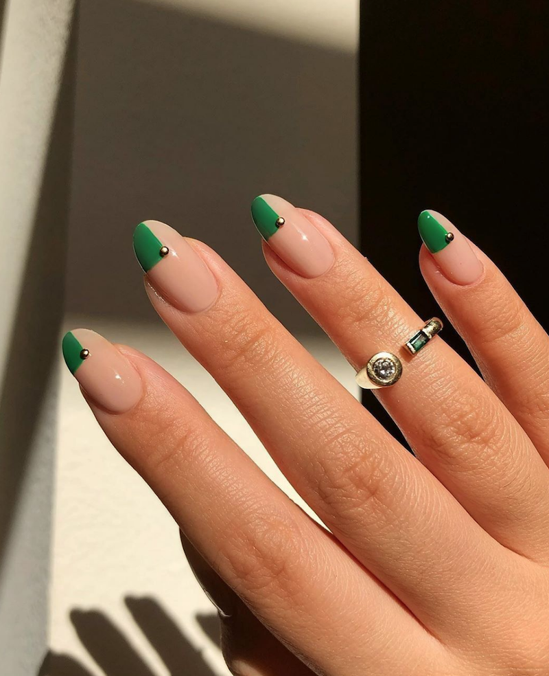 unghie a mandorla smalto nude verde