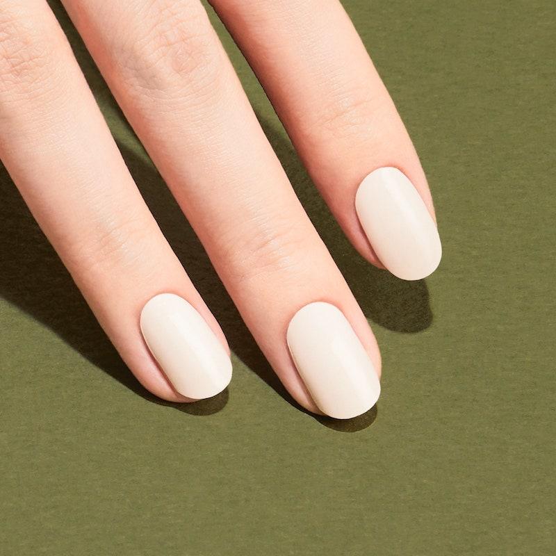 unghie bianco latte